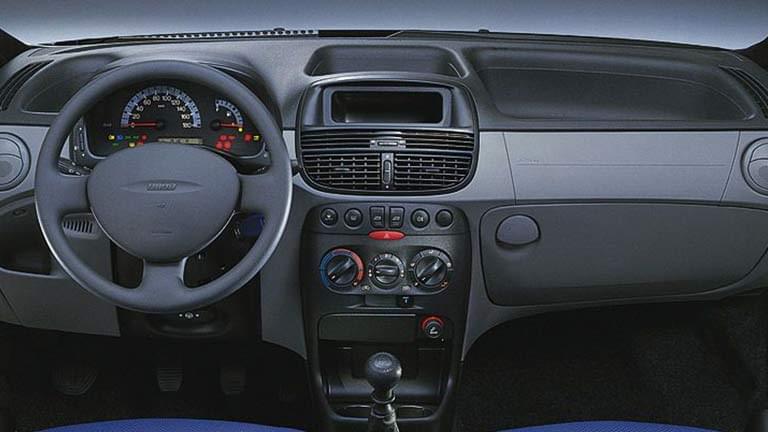 Fiat Punto - Occasies, Tweedehands auto, Auto kopen - AutoScout24 on fiat linea, fiat x1/9, fiat doblo, fiat cars, fiat barchetta, fiat multipla, fiat 500 turbo, fiat seicento, fiat marea, fiat ritmo, fiat cinquecento, fiat 500 abarth, fiat panda, fiat coupe, fiat bravo, fiat 500l, fiat stilo, fiat spider,