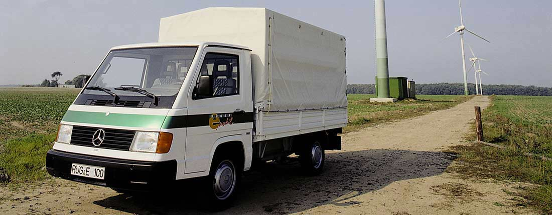 Mercedes-Benz MB 100