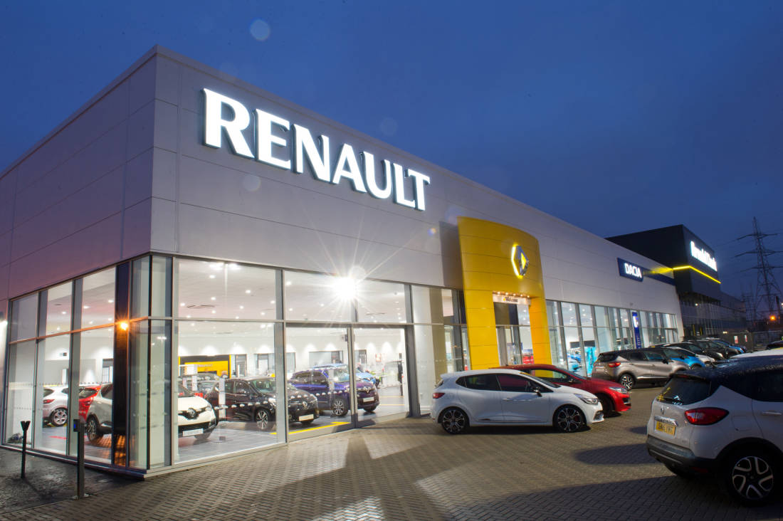 Renault takes top spot in Auto Express Driver Power Dealer Aftersales Service Satisfaction survey 270716